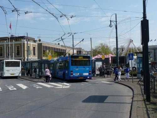 01/05/2012 - foto trolleybus Van Hool AG300T 5207 Breng op lijn 1 in Arnhem - Nederland