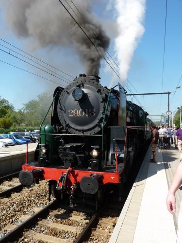 26/05/2012 - foto trein HLV29 29013 SNCB-NMBS in Sint-Martens-Bodegem - Belgïe