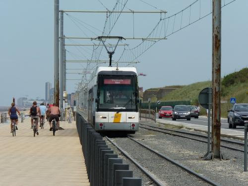 15/08/2012 - photo tram HermeLijn 7269 De Lijn on route 0 in Ostend - Belgium