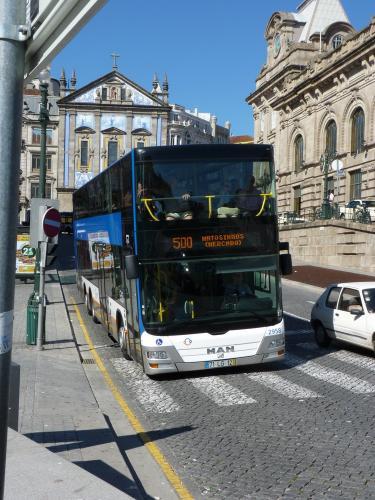 02/09/2012 - photo bus MAN Lion's City 2958 STCP - Sociedade de Transportes Colectivos do Porto sur la ligne 500 à Porto - Portugal