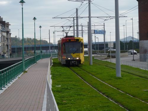 Motrice BN 7446 sur la ligne M3 - Boucle le long de la Sambre