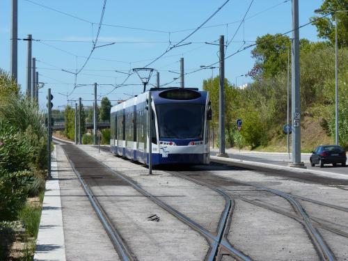 La motrice C022 sur la ligne 2 avec la mention Reservado au terminus de Pragal.