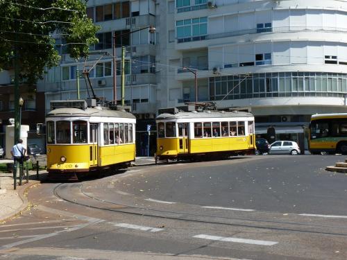 30/08/2012 - foto tram 565 Carris in Lissabon - Portugal
