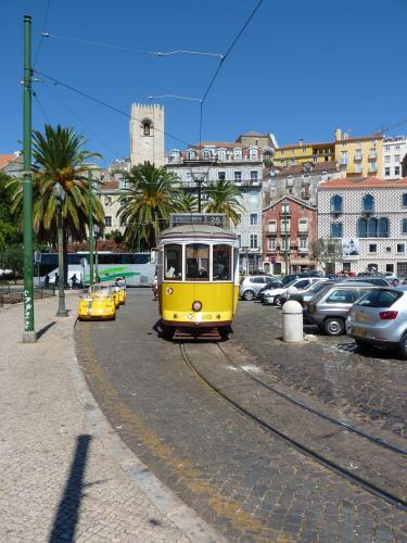 30/08/2012 - photo tram Carris on route 25 in Lisbon - Portugal
