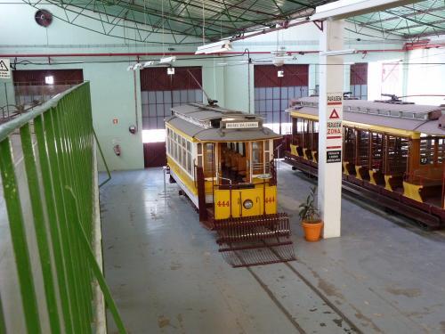 30/08/2012 - photo tram 444 Carris à Lisbonne - Portugal