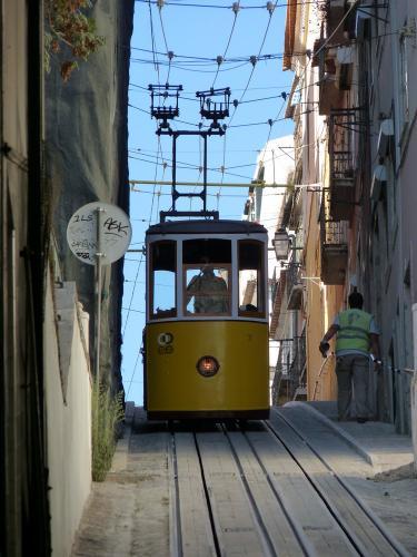 30/08/2012 - foto kabelspoorweg Carris in Lissabon - Portugal
