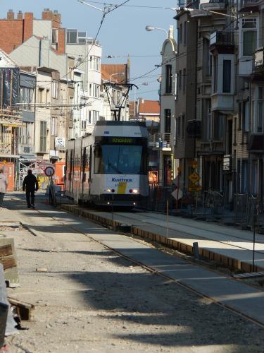 28/04/2013 - photo tram BN-ACEC 6043 De Lijn sur la ligne 0 à Blankenberge - Belgique