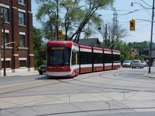12/06/2014 - photo tram Bombardier Flexity Outlook 4402 TTC in Toronto - Canada