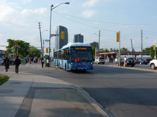 12/06/2014 - photo bus Van Hool AG300 8209 Viva on route blue in Toronto - Canada