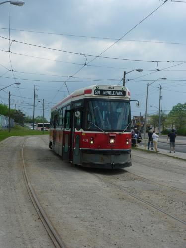27/05/2014 - photo tram Canadian Light Rail Vehicle 4174 TTC on route 501 in Toronto - Canada