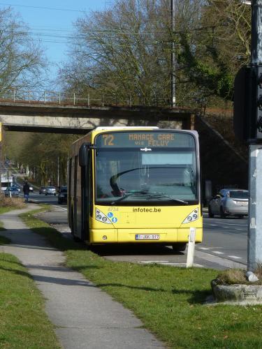 28/02/2015 - foto bus Van Hool NewA330 6734 TEC op lijn 72 in Nijvel - Belgïe