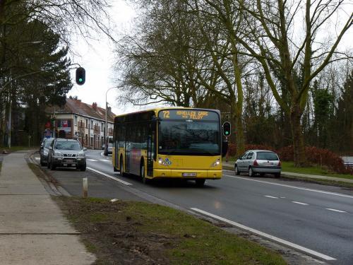01/03/2014 - foto bus Van Hool NewA330 6741 TEC op lijn 72 in Nijvel - Belgïe