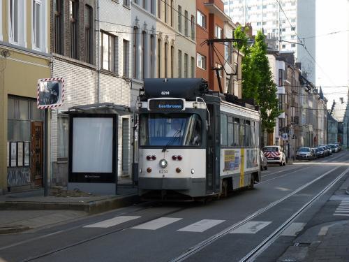 Une PCC à l'arrêt Rabotstraat sur la ligne 24