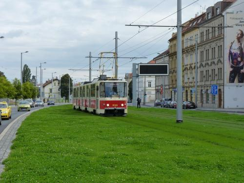 20/09/2015 - photo train Tatra KT8D5 9048 DPP - Dopravní podnik hlavního města Prahy à Prague - République Tchèque