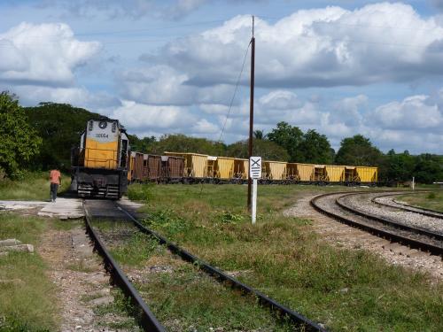 21/11/2015 - foto trein 38054 Ferrocarriles de Cuba in Jiguaní - Cuba