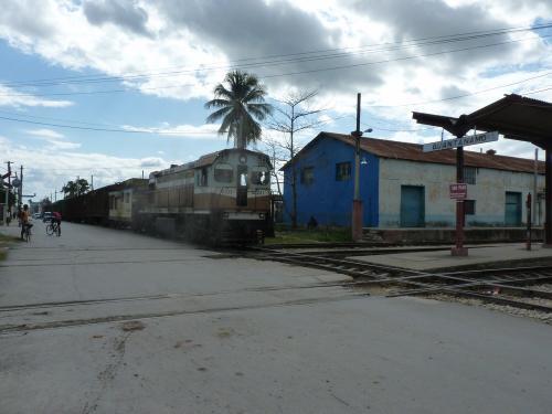 22/11/2015 - foto trein 38231 Ferrocarriles de Cuba in Guantánamo - Cuba