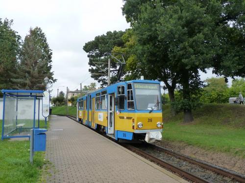 17/09/2015 - photo tram Tatra KT4 316 TWSB - Thüringerwaldbahn und Straßenbahn Gotha GmbH  sur la ligne 6 à Gotha - Allemagne