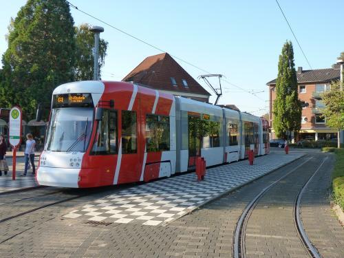 01/10/2011 - foto tram Bombardier Flexity Outlook 617 SWK - Stadtwerke Krefeld op lijn 041 in Krefeld - Duitsland