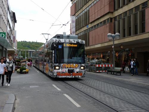 22/09/2015 - foto tram 257 WSB - Würzburger Straßenbahn op lijn 5 in Würzburg - Duitsland