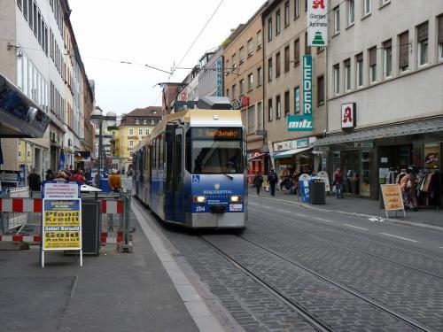 22/09/2015 - foto tram 204 WSB - Würzburger Straßenbahn op lijn 3 in Würzburg - Duitsland