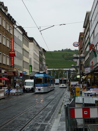 22/09/2015 - foto tram 203 WSB - Würzburger Straßenbahn op lijn 5 in Würzburg - Duitsland