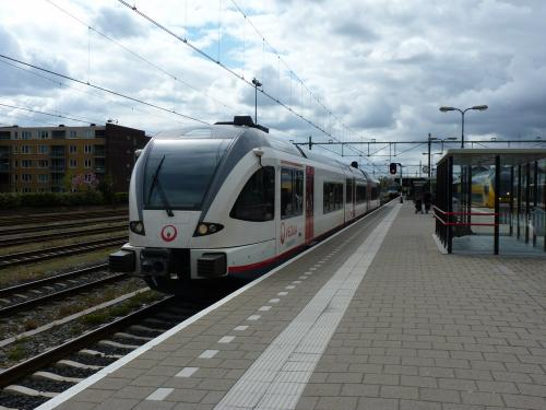 23/04/2016 - photo train Stadler GTW Arriva à Ruremonde - Pays-Bas