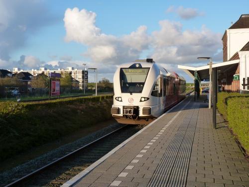 23/04/2016 - foto trein Stadler GTW Arriva in Delfzijl - Nederland