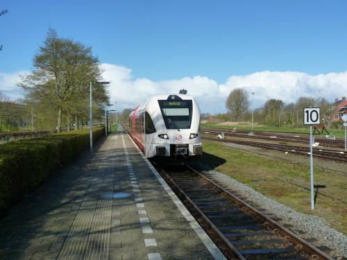 24/04/2016 - photo train Stadler GTW Arriva à Delfzijl - Pays-Bas