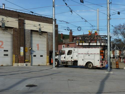 17/11/2015 - photo service vehicle truck 369 TTC in Toronto - Canada