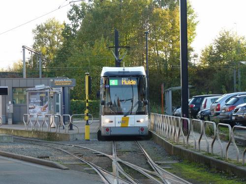 11/11/2016 - photo tram HermeLijn 6341 De Lijn on route 4 in Ghent - Belgium