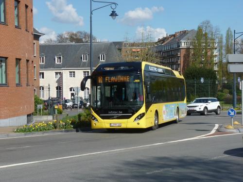 02/04/2017 - photo bus Volvo 7900 Hybrid 4969 TEC on route 9 in Namur - Belgium