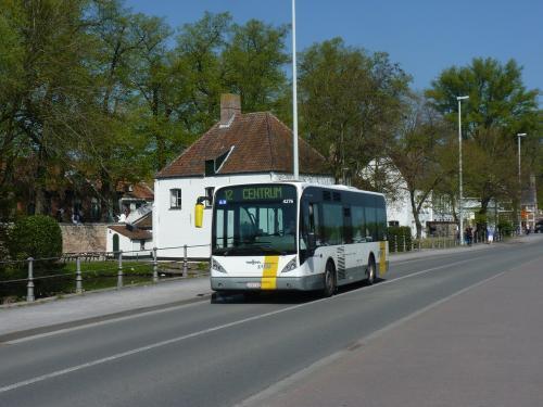 09/04/2017 - photo bus Van Hool NewA308 4276 De Lijn sur la ligne 12 à Bruges - Belgique