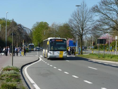09/04/2017 - photo bus Van Hool NewA360 5514 De Lijn sur la ligne 63 à Bruges - Belgique