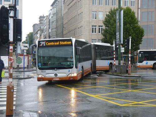 08/09/2017 - photo bus Mercedes-Benz Citaro 9031 STIB-MIVB sur la ligne 71 à Bruxelles - Belgique