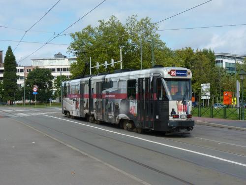 10/09/2017 - photo tram BN PCC7700 7810 STIB-MIVB sur la ligne 39 à Bruxelles - Belgique
