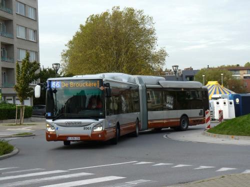 31/10/2017 - photo bus Iveco Bus Urbanway 8961 STIB-MIVB sur la ligne 66 à Bruxelles - Belgique