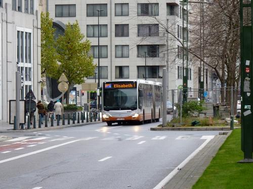 12/11/2017 - photo bus Mercedes-Benz Citaro 9157 STIB-MIVB à Bruxelles - Belgique
