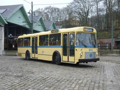 02/12/2017 - photo bus 8014 STIB-MIVB sur la ligne BM à Bruxelles - Belgique