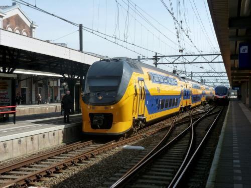 07/04/2018 - foto trein 9420 NS - Nederlandse Spoorwegen in Dordrecht - Nederland