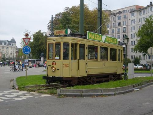 19/09/2010 - photo tram 144 sur la ligne 2 à Bruxelles - Belgique