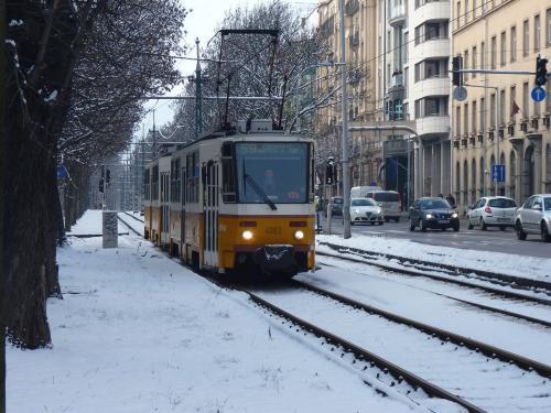 11/02/2013 - foto tram Tatra T5 4063 BKV - Budapesti Közlekedési Zártkörűen Működő Részvénytársaság op lijn 59 in Boedapest - Hongarije