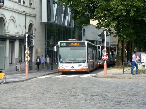 08/06/2018 - photo bus Mercedes-Benz Citaro 9021 STIB-MIVB sur la ligne 71 à Bruxelles - Belgique