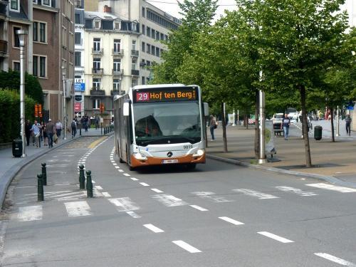 08/06/2018 - photo bus Mercedes-Benz Citaro 9819 STIB-MIVB sur la ligne 29 à Bruxelles - Belgique