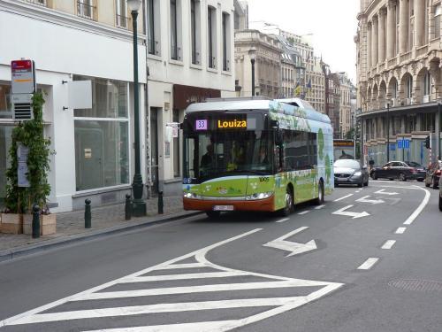 08/06/2018 - photo bus Solaris Urbino 1005 STIB-MIVB sur la ligne 33 à Bruxelles - Belgique