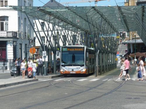 01/07/2018 - photo bus Mercedes-Benz Citaro 9878 STIB-MIVB sur la ligne 81 à Bruxelles - Belgique