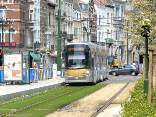 07/07/2018 - photo tram Bombardier Flexity Outlook 3135 STIB-MIVB sur la ligne 81 à Bruxelles - Belgique