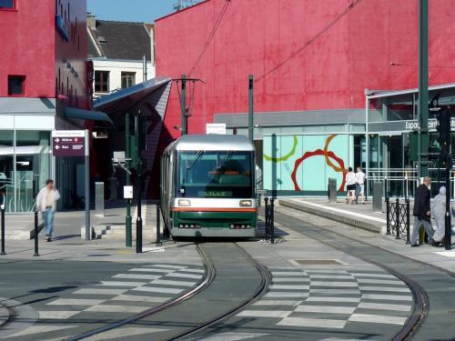 29/09/2011 - foto tram Breda VLC 16 Transpole op lijn T in Rijsel - Frankrijk
