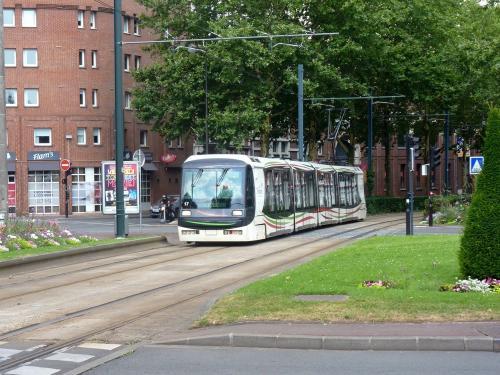 22/07/2018 - foto tram Breda VLC 17 Transpole op lijn R in Rijsel - Frankrijk