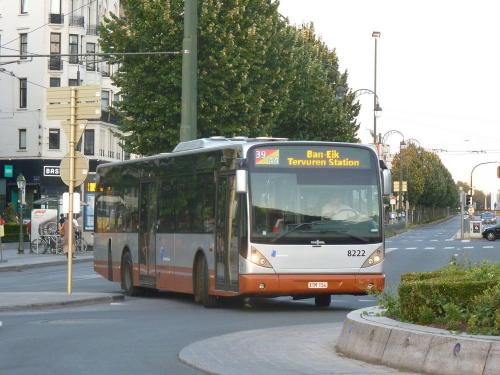 01/08/2018 - photo bus Van Hool NewA330 8222 STIB-MIVB à Bruxelles - Belgique