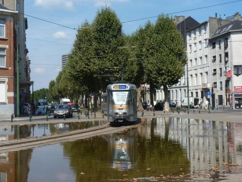 04/08/2018 - photo tram BN PCC7900 7921 STIB-MIVB sur la ligne 51 à Bruxelles - Belgique